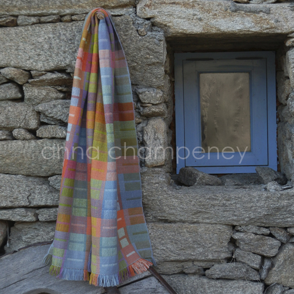 cashmere scarf with local dyes 600 pix