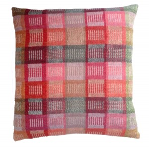 Gid II cushion in silk and wool