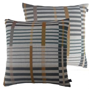 Optic Stripe cushion with 2 faces 1500 pix