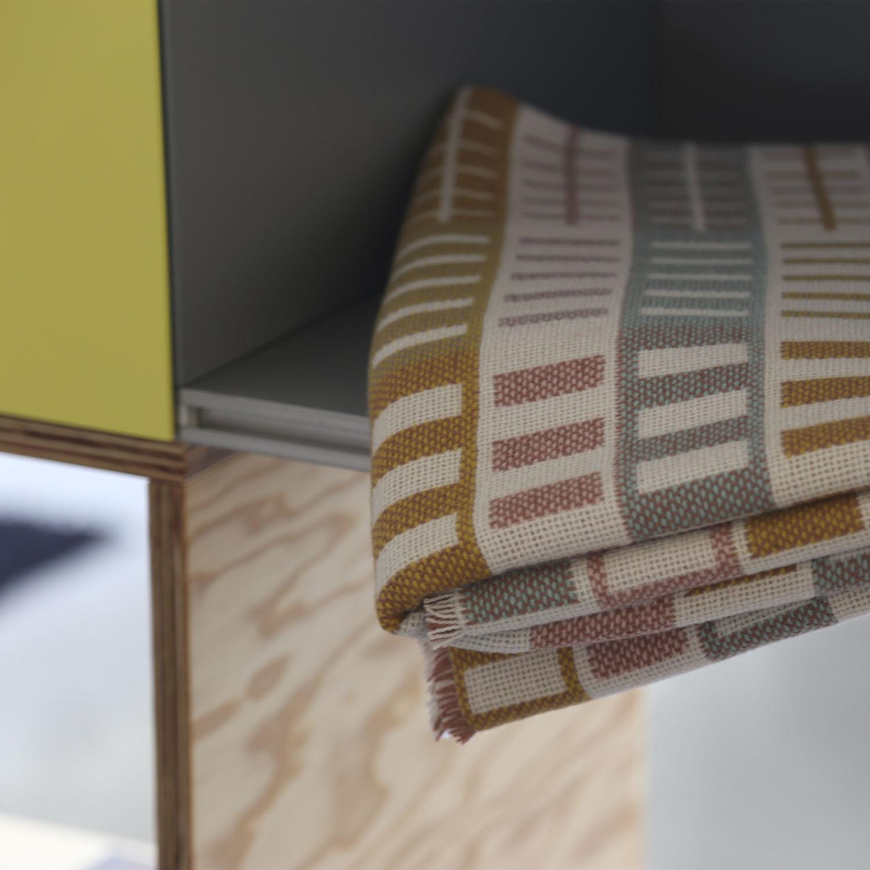 """Enfoque de Noviembre:  Plaids """"Bump"""" de lana merina (140×170/180cm)"""